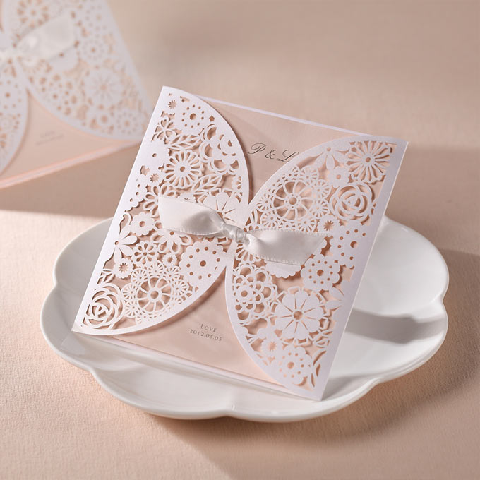 Partecipazioni Matrimonio Con Pizzo.Campioni Partecipazioni In Pizzo Con Fiocco Bianco Matrimonio Da