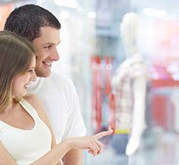 coppia-shopping