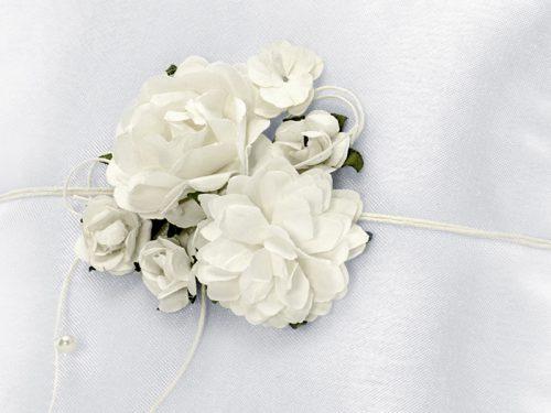 Cuscino portafedi fiori crema